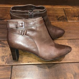 Women's size 8 Ralph Lauren leather ankle booties